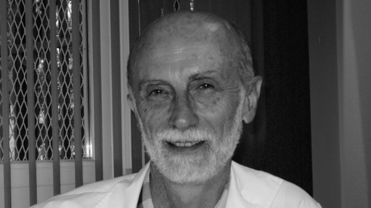 DR. NESTOR CARRILLO