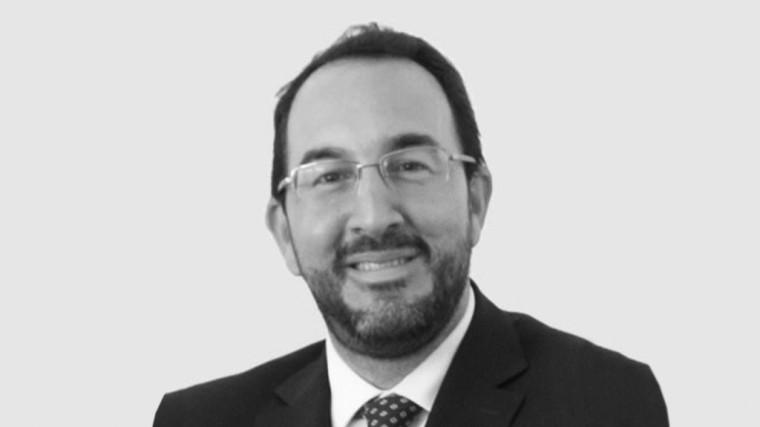 DR. SEBASTIAN AZERRAD