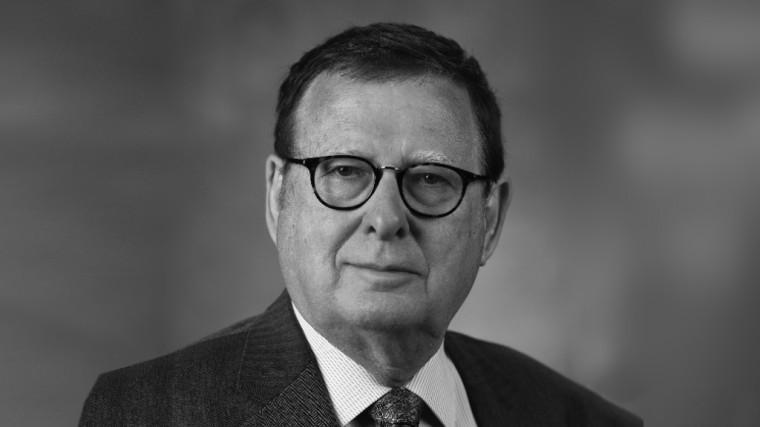DR. STEPHEN O. DUKE